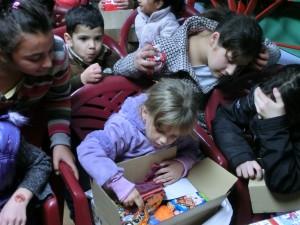 Weihnachtsgeschenke für bosnische Kinder