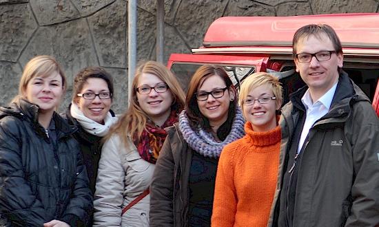 Dezember 2012: Blazenka Lukenda (Caritas Banja Luka), Rosi Jahn, Jasmin Schneider, Julia Donhauser, Isabella Merlin, Uli Iberer (mit Stationen und Begegnungen in Banja Luka, Doboj, Tuzla)