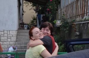 Überschwemmung 2014 - Ivana freut sich mit ihrer Mutter
