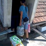 Hilfsfahrt Juni 2014 - Übergabe der Hilfsgüter direkt bei den betroffenen Familien