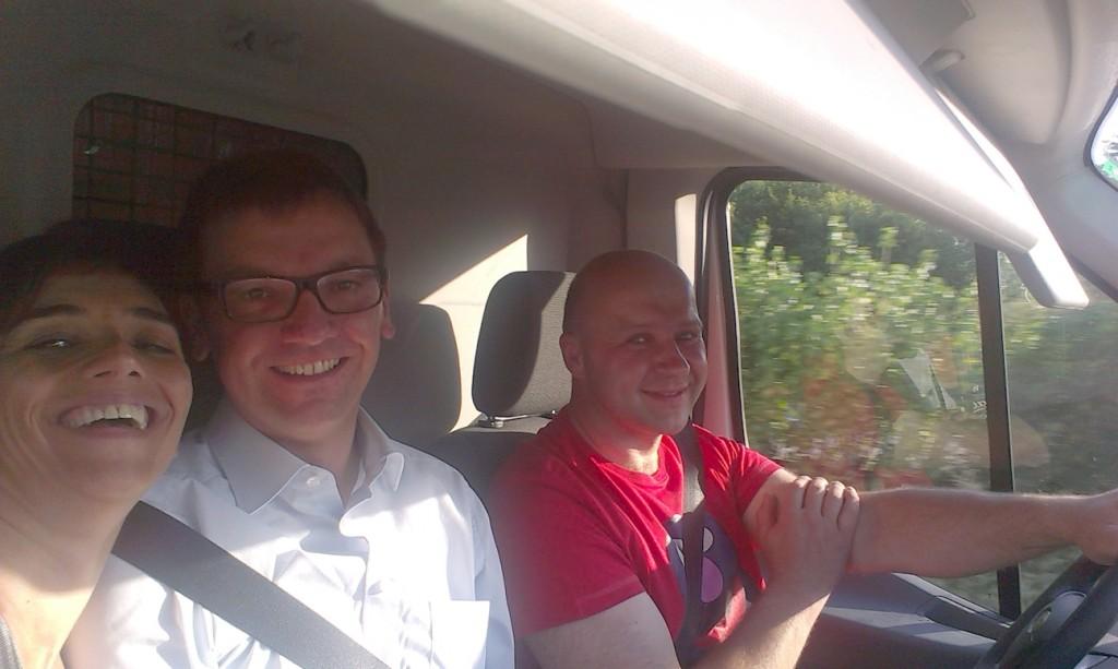 Hilfsfahrt Juni 2014 - Gute Stimmung im Transporter