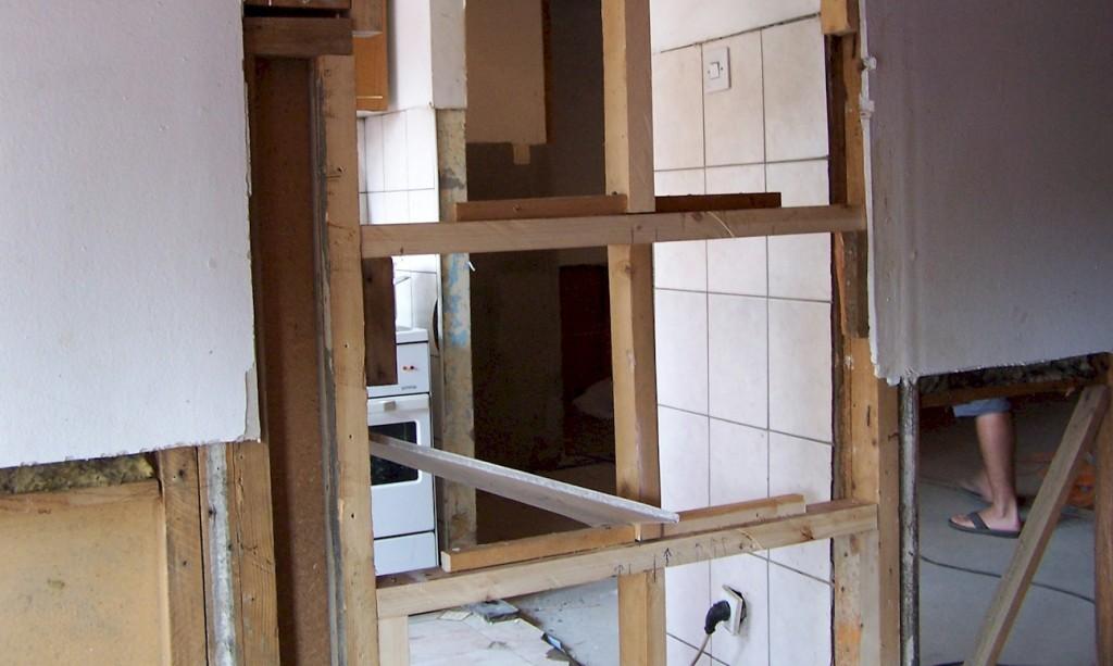 Hilfsfahrt Juni 2014 - Wiederaufbau von Wohnbaracken