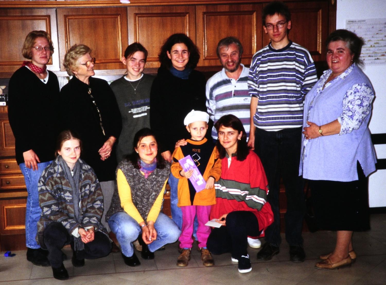 Oktober 1996: Manuela Trummer, Maria Lehner, Cornelia Winkler, Elisabeth Morgenschweis, Gabi Wendl, Hans Karl, Uli Iberer (mit Stationen in Zabreb, Slavonski Brod, Domaljevac)