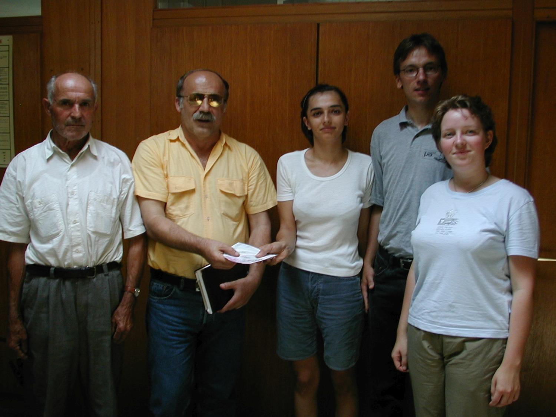 Juni 2000: Milena Mandic, Uli Iberer, Sabine Schnellinger (nicht auf dem Foto: Christina Hohlbein; mit Stationen und Begegnungen in Tomina, Slavonski Brod, Korace)